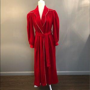 Pierre Cardin lipstick red bath robe . Size small